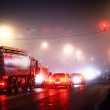 Vakarų Lietuvoje eismo sąlygas sunkina plikledis ir lijundra