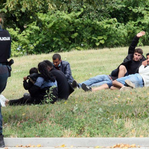 Kaune sulaikyti galimai nelegalūs imigrantai  © Laimučio Brundzos nuotr.