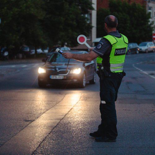 Kaune vyko reidas: policija tikrino vairuotojų blaivumą