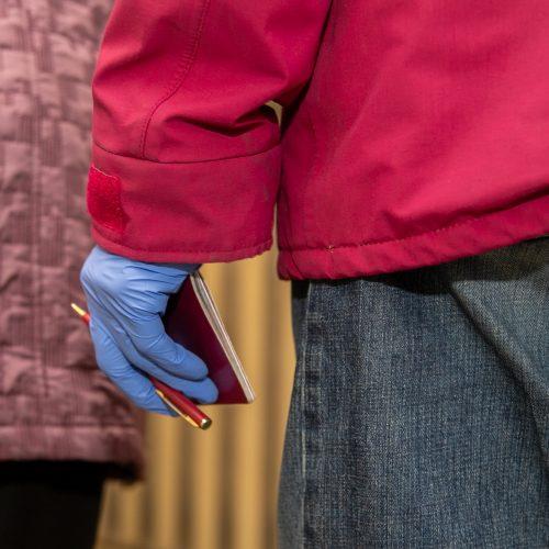 Kauniečiai renka naują Seimą <span style=color:red;>(balsavimas rinkimų antrajame ture)</span>  © Justinos Lasauskaitės nuotr.