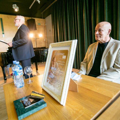 V.Kiaušui-Elmiškiui įteikta Vieno lito premija