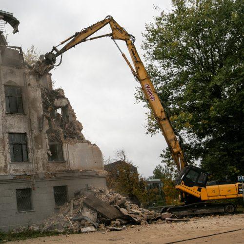 Griaunami sostinės Profsąjungų rūmai  © P. Peleckio / Fotobanko nuotr.