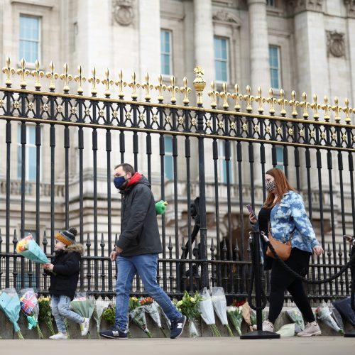 Pagerbė mirusį princą Philipą patrankų salvėmis  © EPA-ELTOS, Scanpix nuotr.