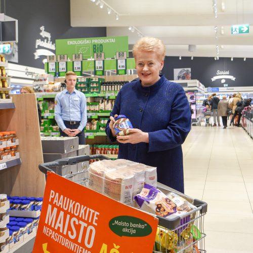 """Prezidentė pradėjo """"Maisto banko"""" akciją  © R. Dačkaus / Prezidentūros nuotr."""