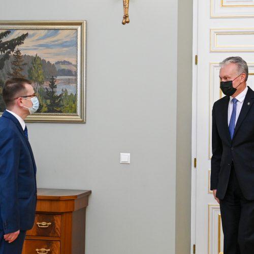 G. Nausėda susitiko su kandidatu į ministrus A. Dulkiu  © I. Gelūno / Fotobanko, R. Dačkaus / Prezidentūros nuotr.