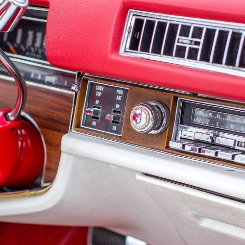 """V. Gineika ir jo """"Cadillac"""" automobiliai  © Evaldo Šemioto nuotr."""