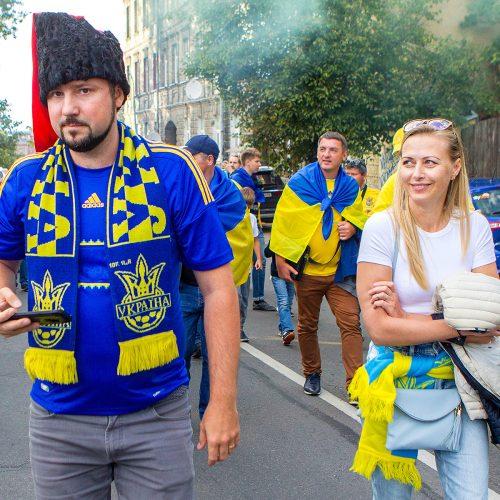 Vilnių užplūdo Ukrainos futbolo fanai  © Evaldo Šemioto nuotr.