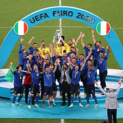Europos futbolo sostą užėmė italai!