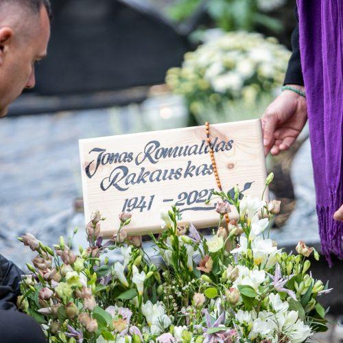 Fotomenininko R. Rakausko laidotuvės