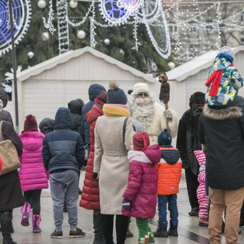 Sostinėje susirinko šeši Kalėdų Seneliai  © S. Žiūros nuotr.