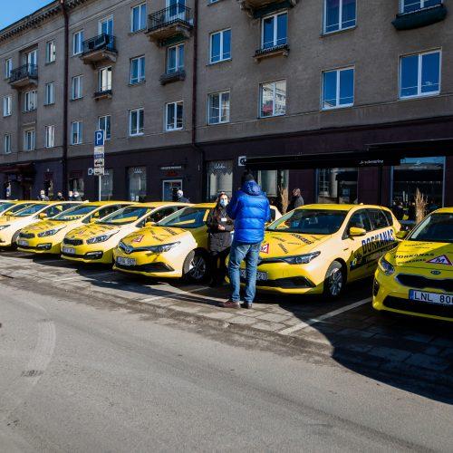 Prie Seimo – protestas dėl vairavimo egzaminų atnaujinimo  © I. Gelūno / Fotobanko nuotr.