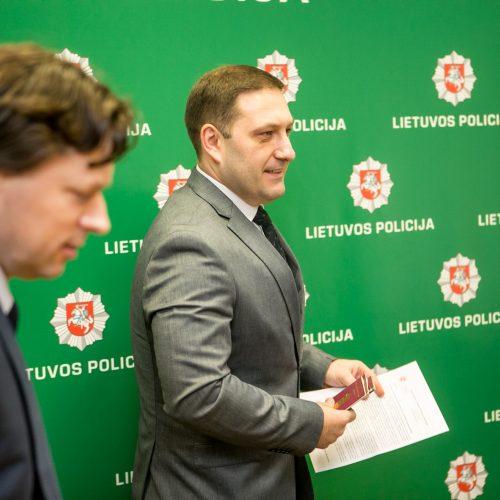 Kaune sutriuškintos dokumentų klastotojų ir vagystes vykdžiusių asmenų grupuotės  © Vilmanto Raupelio nuotr.