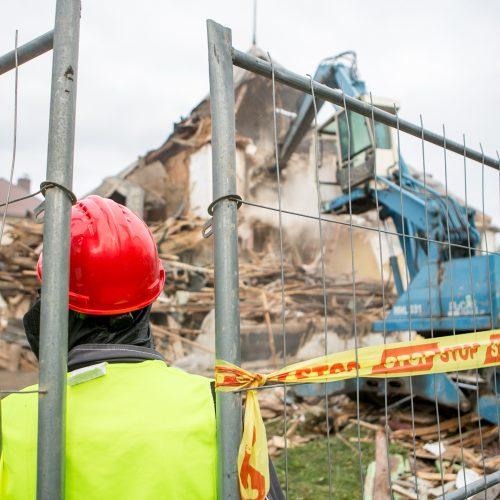 Žaliakalnyje toliau įžūliai naikinamas paveldo namas