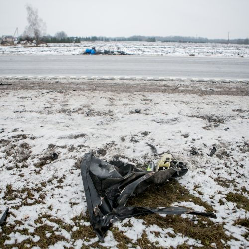 Tragiškos avarijos pakaunėje, Rokų plente, vieta   © Vilmanto Raupelio nuotr.