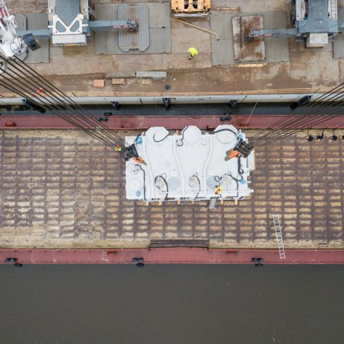 Kauną Nemunu pasiekė įspūdingas krovinys  © Vilmanto Raupelio nuotr.