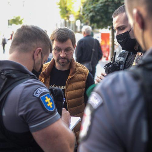 """Antanas Kandrotas-Celofanas bandė be galimybių paso patekti į """"Akropolį"""""""