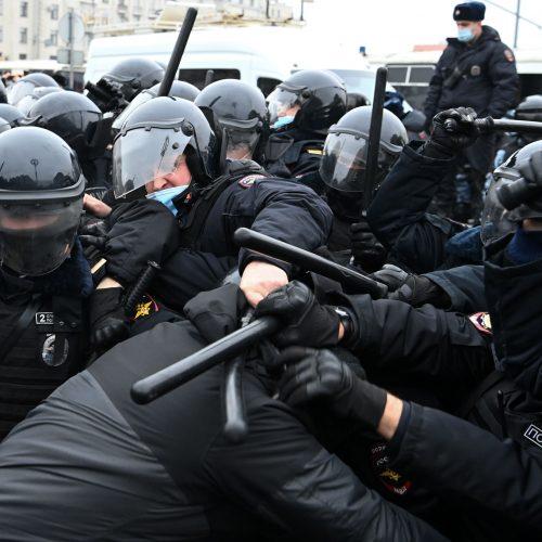 Maskvoje areštuojami protestuojantys A. Navalno šalininkai  © Scanpix nuotr.