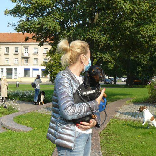 Klaipėdiečiai piketavo už gyvūnų teises  © Astos Dykovienės nuotr.