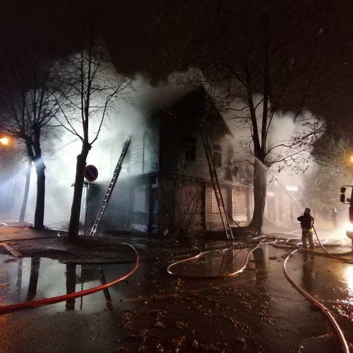 Namo gaisras Savanorių prospekte  © Laimučio Brundzos nuotr.