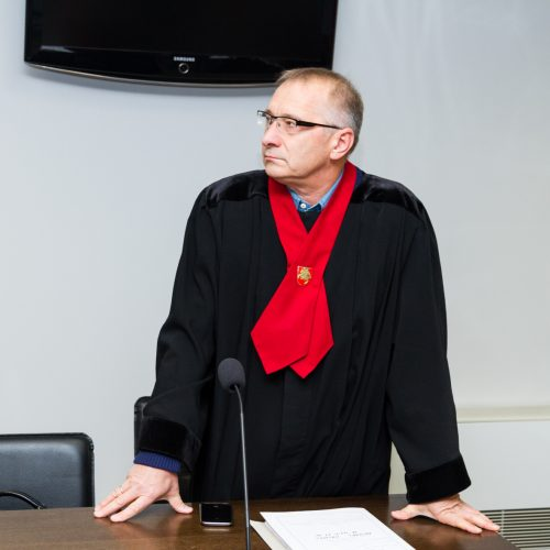 Žmogžudyste Marvelės žirgyne įtariamo A. Helmo teismas  © Laimio Steponavičiaus nuotr.
