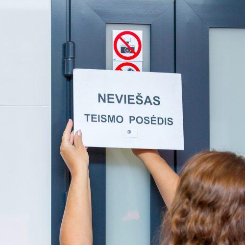 Įtariamojo mažamečių tvirkinimu teismas  © Laimio Steponavičiaus nuotr.