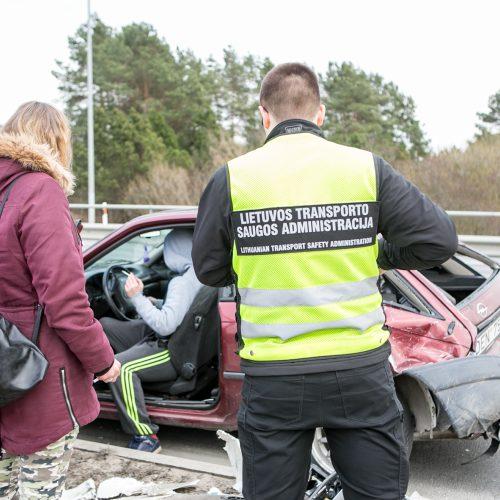 "Karmėlavoje vilkiko ir ""Opel "" avarija  © Vilmanto Raupelio nuotr."