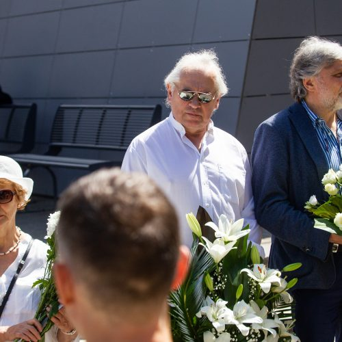 Atsisveikinimas su aktoriumi J. Meškausku  © P. Peleckio / Fotobanko nuotr.