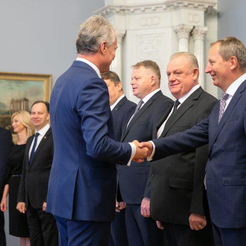Prezidentas priėmė Vyriausybės narius  © I. Gelūno / Fotobanko nuotr.
