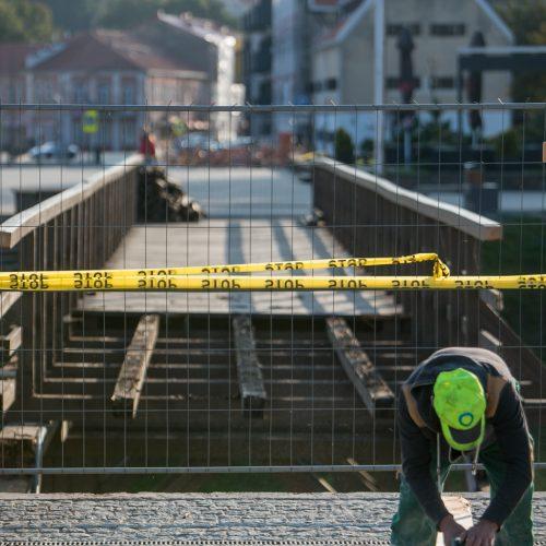 Kauno pilies pėsčiųjų tilto remontas  © Vilmanto Raupelio nuotr.