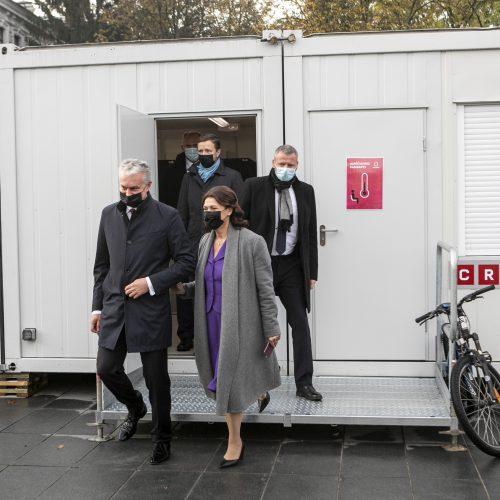 Prezidentas ir premjeras balsavo antrajame Seimo rinkimų ture  © P. Peleckio ir I. Gelūno / Fotobanko nuotr.
