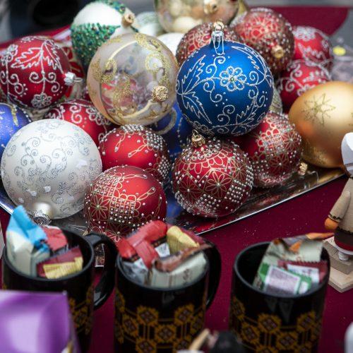 Vilniuje atidaryta virtuali labdaros Kalėdų mugė  © P. Peleckio / Fotobanko, D. Labučio / ELTOS, organizatorių nuotr.