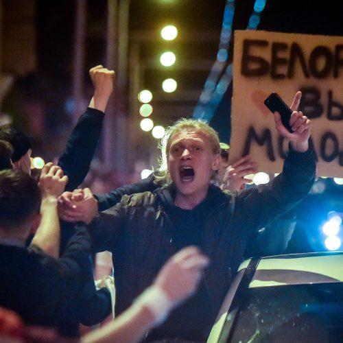 Kitoks vakaras Baltarusijoje: protestuotojai nebuvo vaikomi   © Scanpix, ITAR-TASS nuotr.