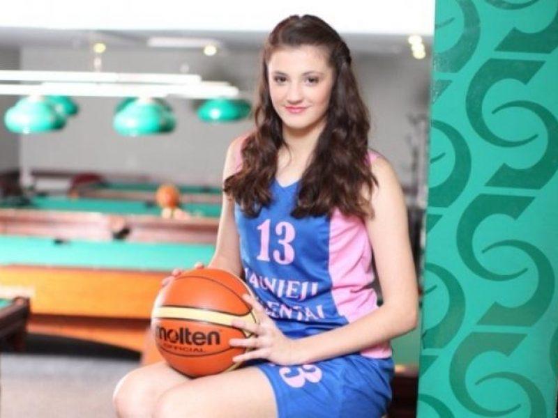 """""""Utenos"""" krepšinio klube – po 30 taškų pelnydavusi 16-metė"""