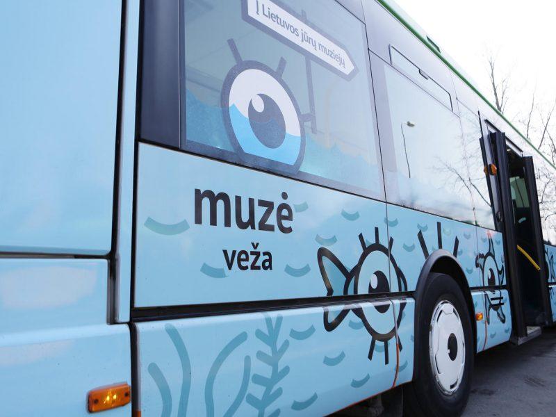 Maršrutiniai autobusai virs kursuojančiais muziejais