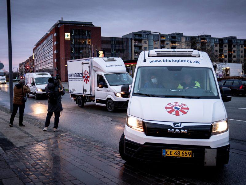 Danija dar labiau griežtina ribojimus: COVID-19 rizikos vertinimo lygis pakeltas iki aukščiausio