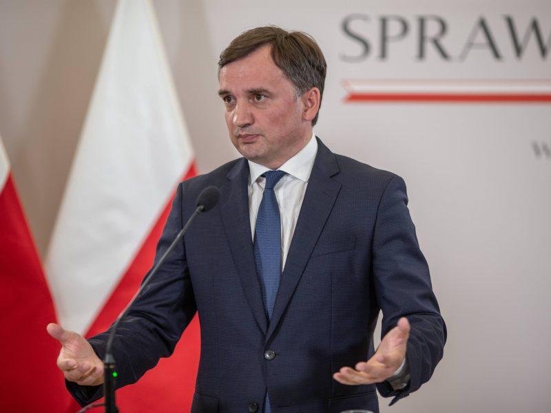 Lenkijoje – raginimai gelbėti valdančiąją koaliciją