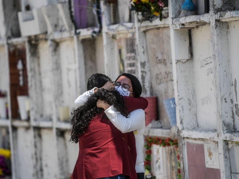 Meksikoje mirčių nuo COVID-19 skaičius viršijo 90 tūkst., Argentinoje – 30 tūkst.