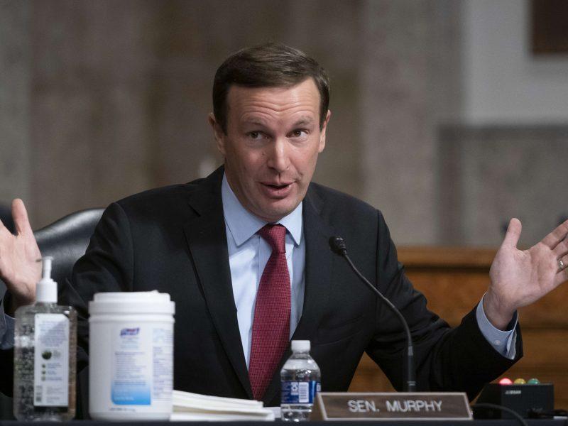 JAV senatorius: COVID-19 situacija būtų geresnė, jei administracija nedarytų nieko