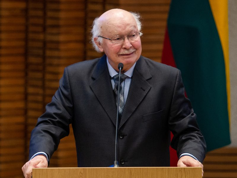 Kino operatoriui J. V. Tomaševičiui skirta pirmojo laipsnio valstybinė pensija