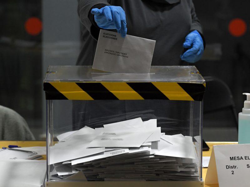 Katalonijos separatistai per regioninius rinkimus užsitikrino tvirtesnę daugumą