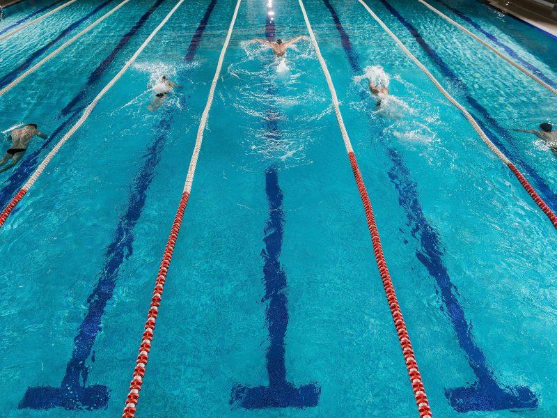 Lietuvos baseinų valdytojai ragina nedelsti ir atlaisvinti baseinų veiklą