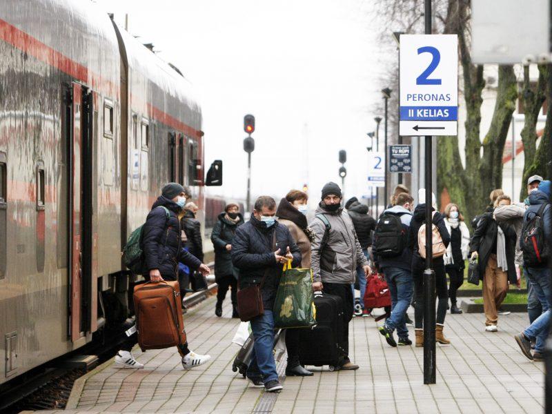 Karantinas koreguoja eismo tvarkaraščius: autobusai važiuos rečiau