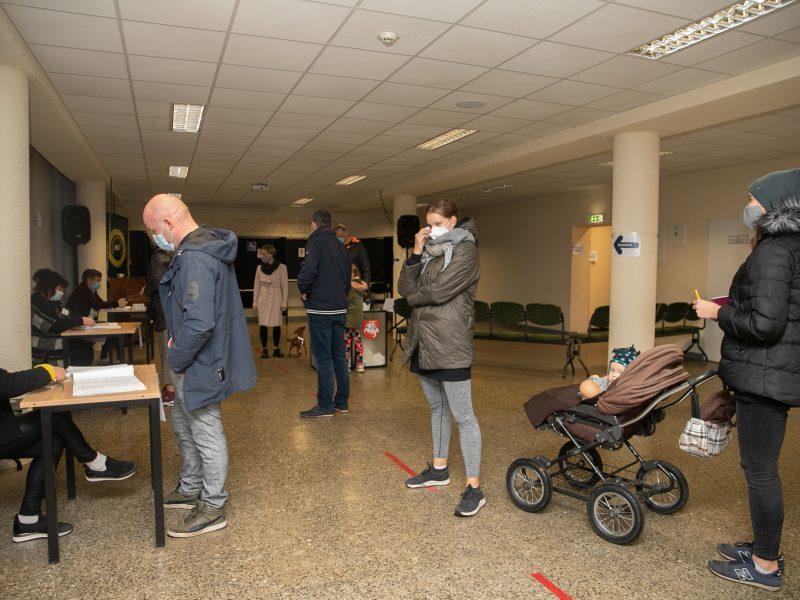 Seimo rinkimų antrojo turo paskutinės balsavimo minutės (Kaunas)