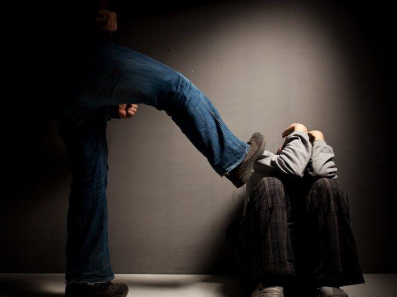 Raseinių rajone – smurto protrūkis: neblaivus vyras sumušė vaiką