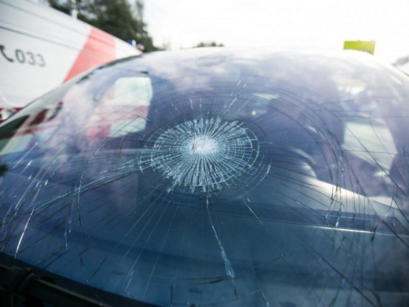 Skaudi nelaimė Plungėje: automobilis partrenkė pėsčiąjį ir pasišalino