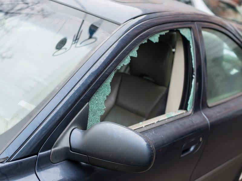 Uostamiestyje toliau siautėja ilgapirščiai: apvogtas automobilis