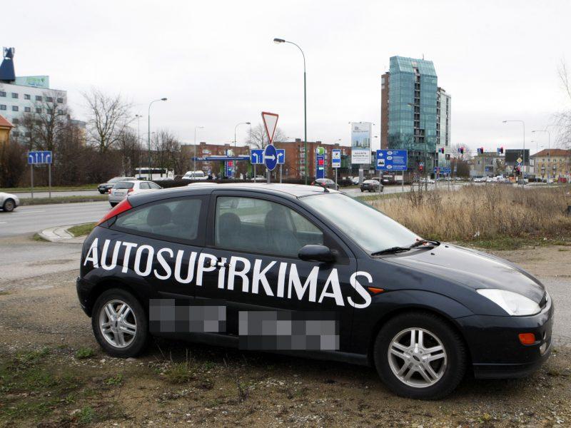 Reklaminių automobilių savininkai į baudas nereaguoja?