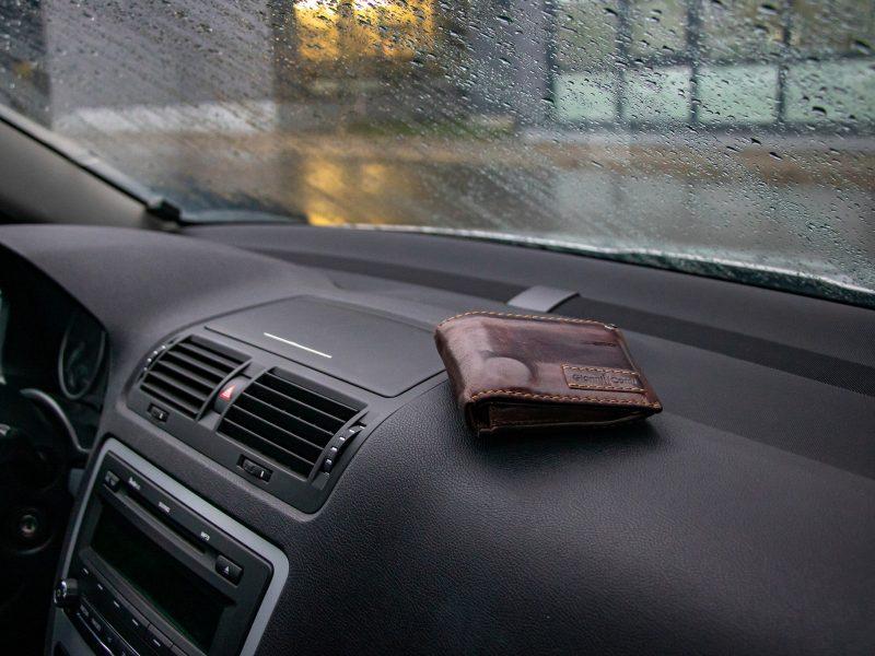 Klaipėdos policijos pareigūnai primena – saugoti savo daiktus privalu nuolat