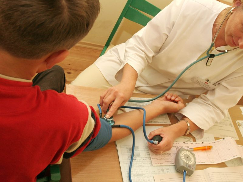 Mokyklos nekeičiantiems mokiniams sveikatos pažymėjimas galios iki metų pabaigos