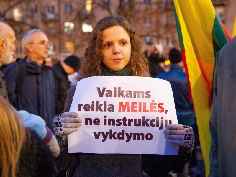 Seimas įvedė vaiko teisių apsaugos pakeitimus